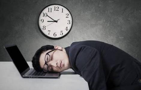 年収を時給で計算すると見えてくる、残業代の割り増し25%は効率が悪いのか?